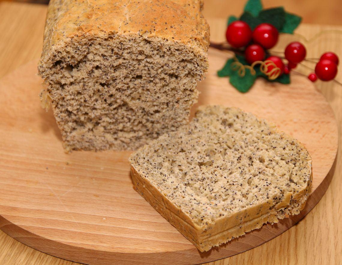 Chleb pszenny z makiem na drożdżach